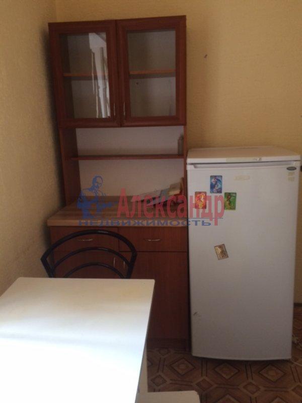 2-комнатная квартира (33м2) в аренду по адресу 6 Красноармейская ул., 2— фото 3 из 6