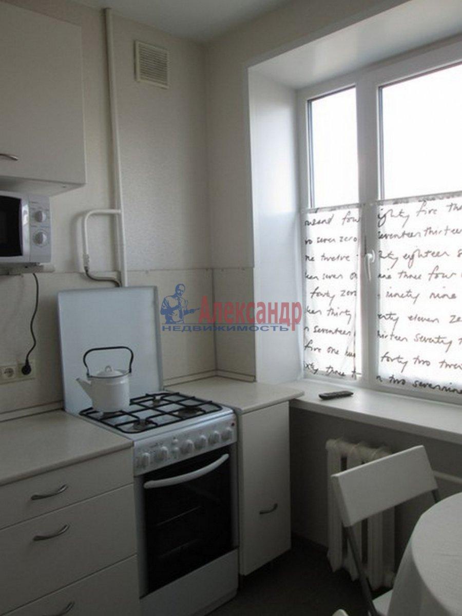 2-комнатная квартира (44м2) в аренду по адресу Космонавтов пр., 52— фото 4 из 8