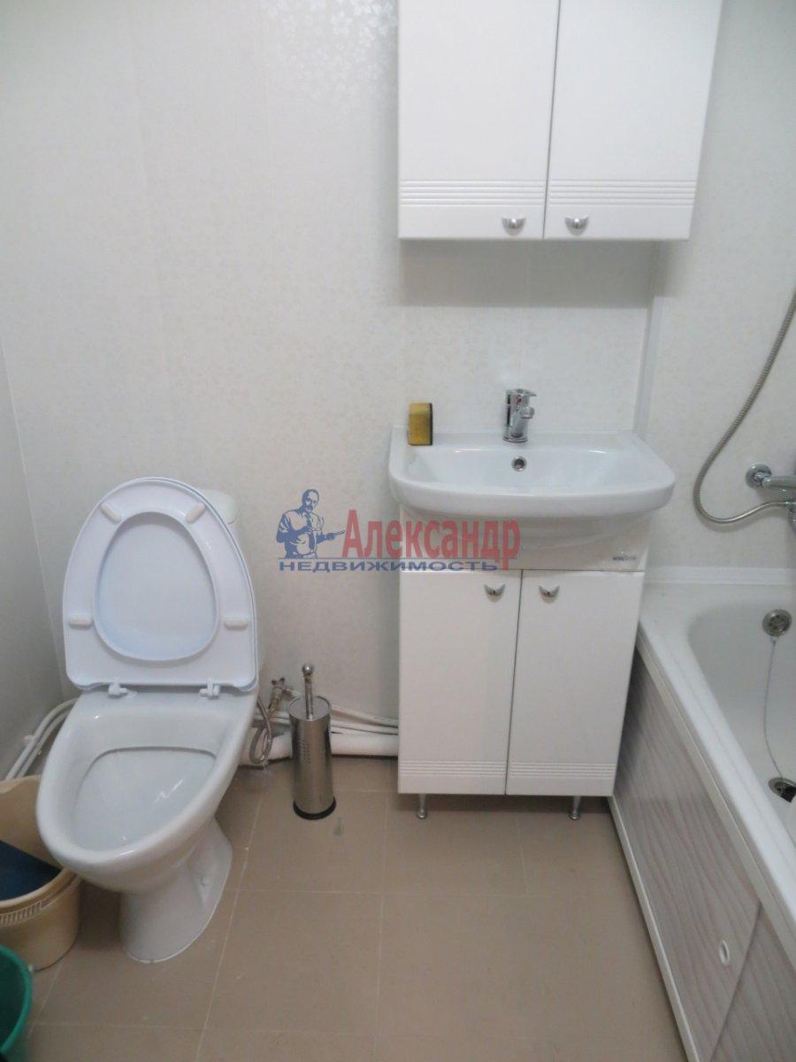 1-комнатная квартира (38м2) в аренду по адресу Омская ул., 24— фото 4 из 7