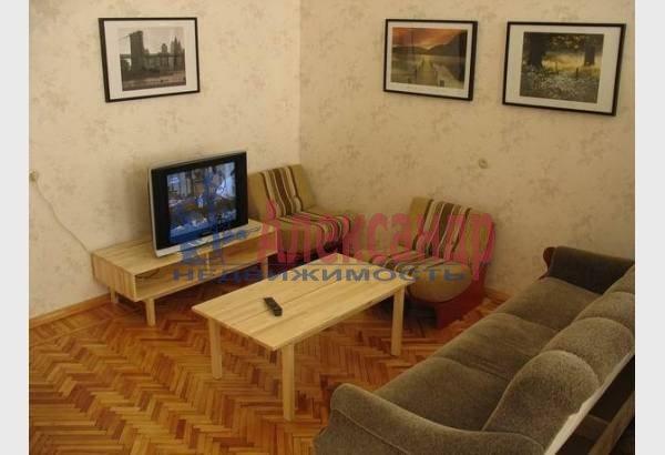 2-комнатная квартира (70м2) в аренду по адресу Марата ул., 4— фото 6 из 9
