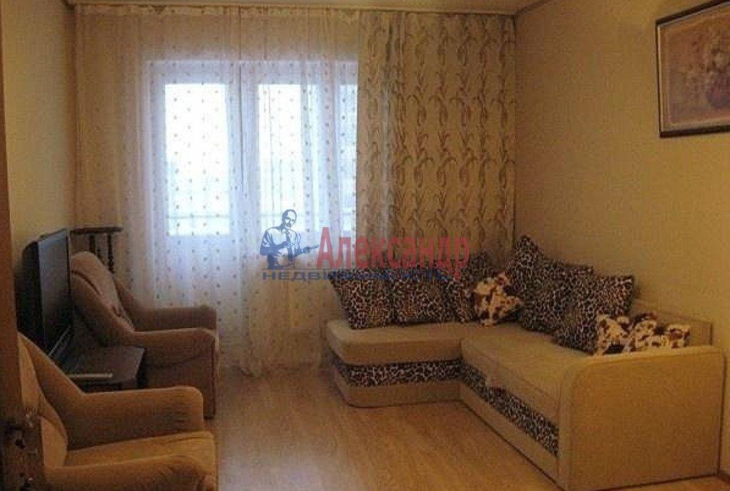 1-комнатная квартира (38м2) в аренду по адресу Карпинского ул., 33— фото 1 из 2