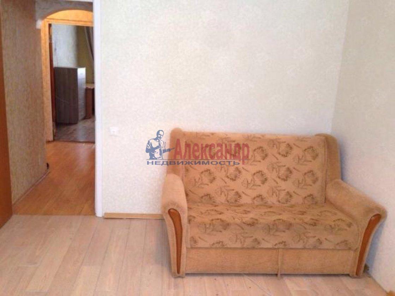 2-комнатная квартира (50м2) в аренду по адресу Колпино г., Красных партизан ул., 54— фото 2 из 6