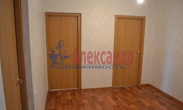 3-комнатная квартира (75м2) в аренду по адресу Приозерское шос., 10— фото 8 из 10