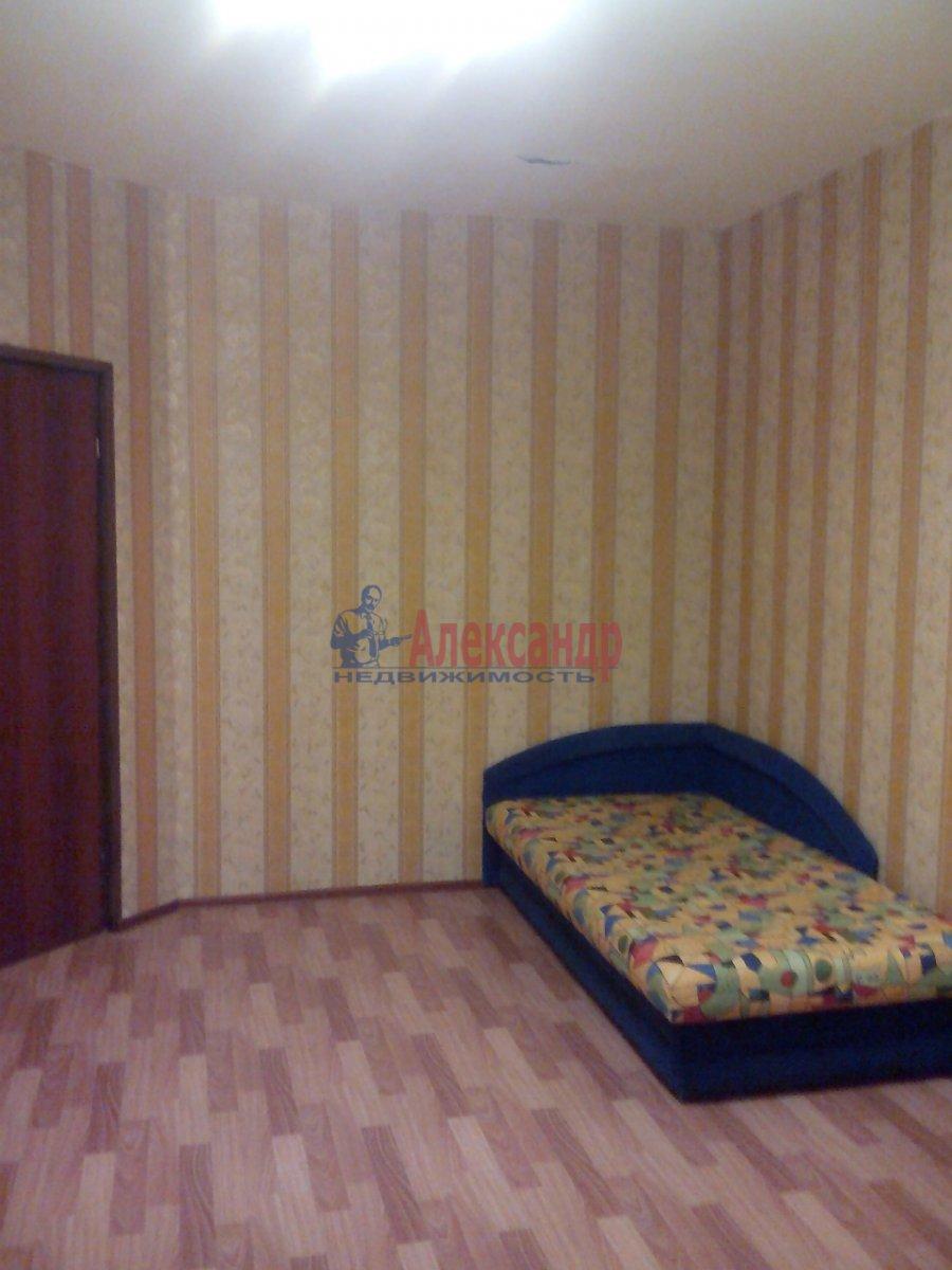 1-комнатная квартира (46м2) в аренду по адресу Кудрово дер., Венская ул., 4— фото 2 из 8