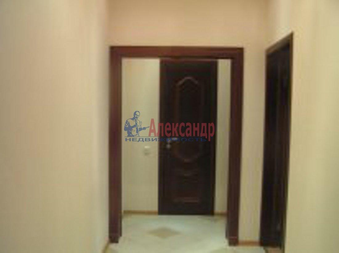 3-комнатная квартира (98м2) в аренду по адресу Композиторов ул., 12— фото 7 из 7