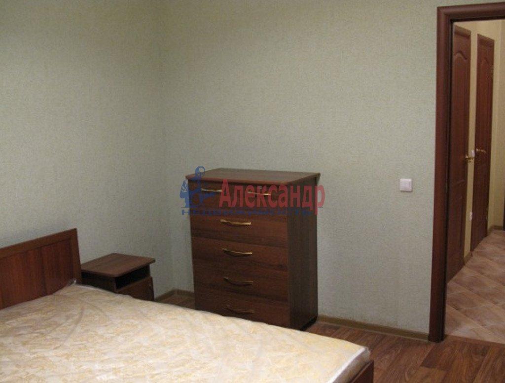 2-комнатная квартира (72м2) в аренду по адресу Подольская ул., 17— фото 2 из 4