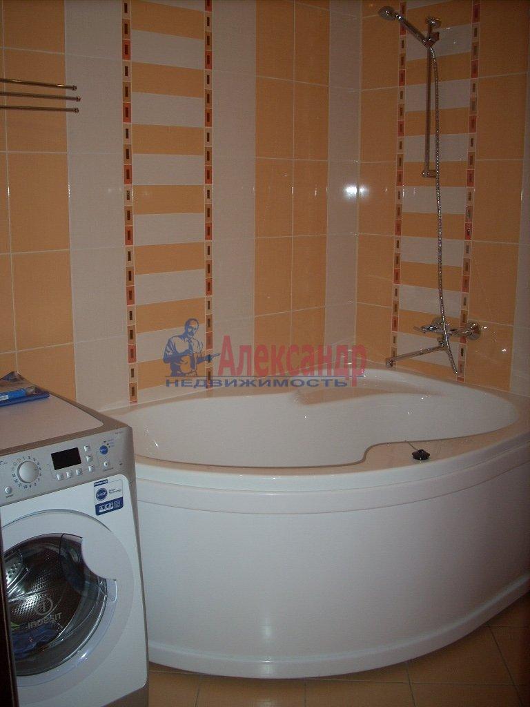 1-комнатная квартира (50м2) в аренду по адресу Решетникова ул., 3— фото 2 из 5