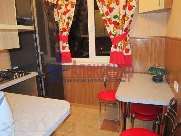 2-комнатная квартира (54м2) в аренду по адресу Дунайский пр., 43— фото 3 из 4