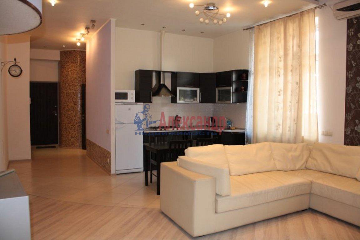 3-комнатная квартира (100м2) в аренду по адресу Ивановская ул., 13— фото 1 из 4