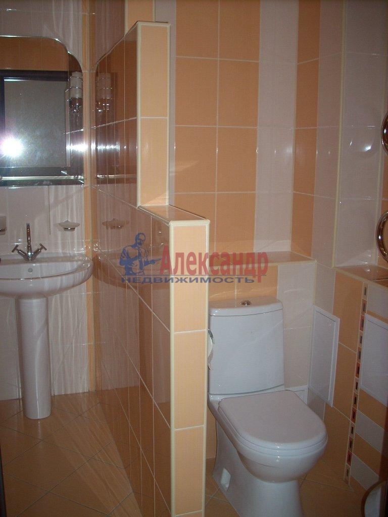1-комнатная квартира (50м2) в аренду по адресу Решетникова ул., 3— фото 3 из 5