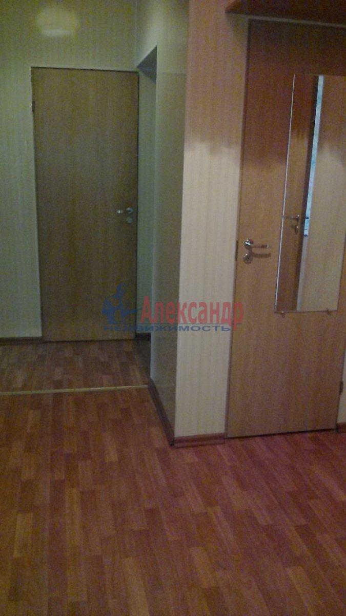 3-комнатная квартира (70м2) в аренду по адресу Очаковская ул., 3— фото 4 из 7