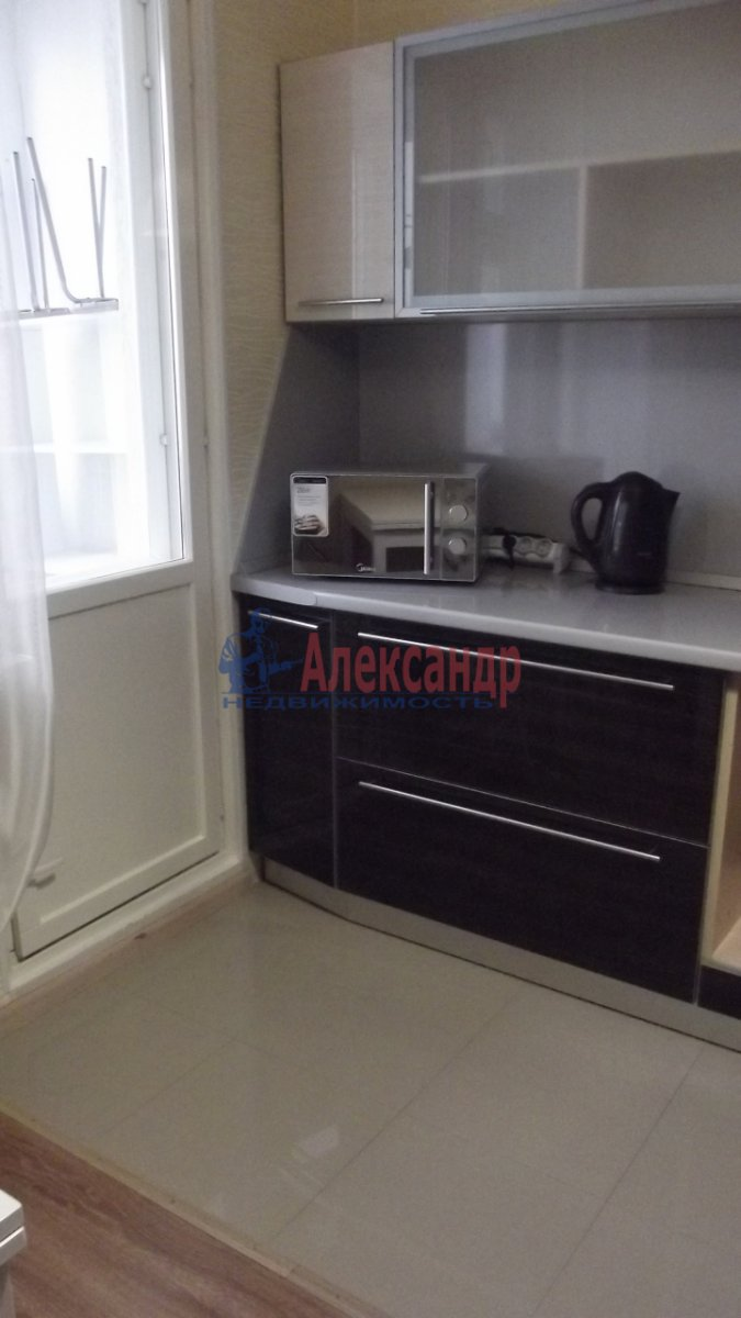1-комнатная квартира (35м2) в аренду по адресу Маршала Жукова пр., 41— фото 3 из 6