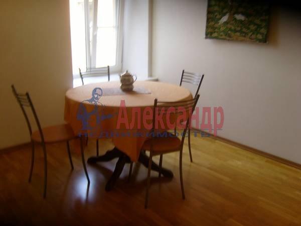 4-комнатная квартира (100м2) в аренду по адресу Большая Конюшенная ул., 15— фото 3 из 9
