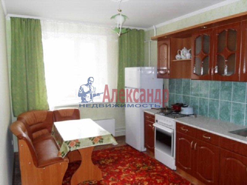 2-комнатная квартира (52м2) в аренду по адресу Зои Космодемьянской ул., 17— фото 2 из 4