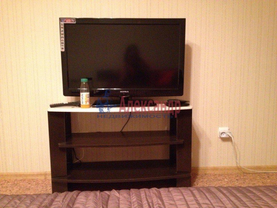1-комнатная квартира (42м2) в аренду по адресу Гжатская ул., 9— фото 3 из 8