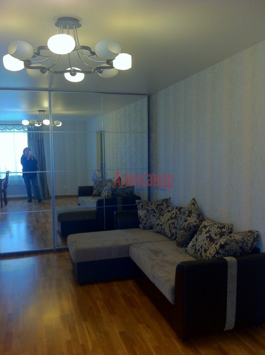 2-комнатная квартира (54м2) в аренду по адресу Новосмоленская наб., 1— фото 2 из 15