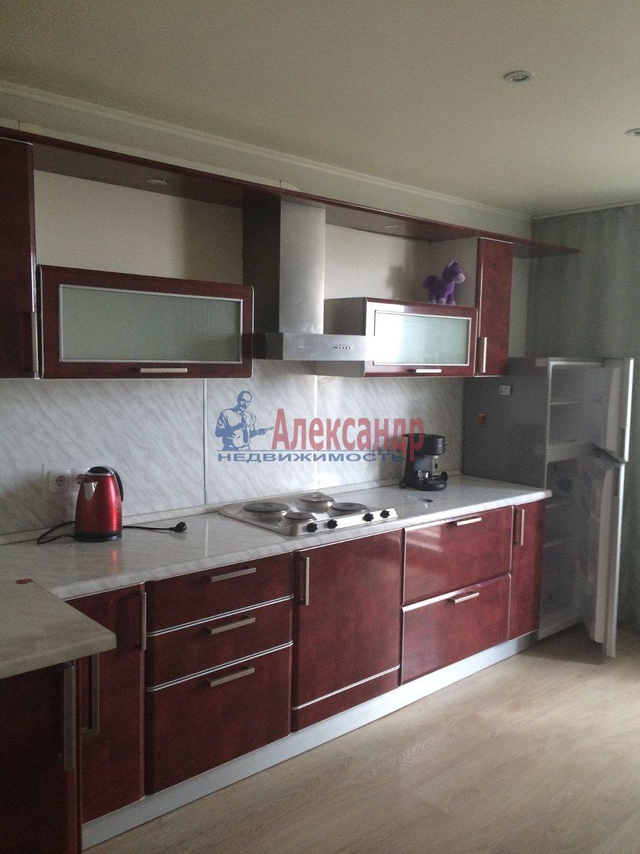 1-комнатная квартира (39м2) в аренду по адресу Карпинского ул., 33— фото 2 из 7