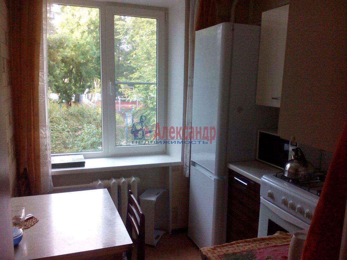 2-комнатная квартира (46м2) в аренду по адресу Кавалергардская ул., 19— фото 3 из 8