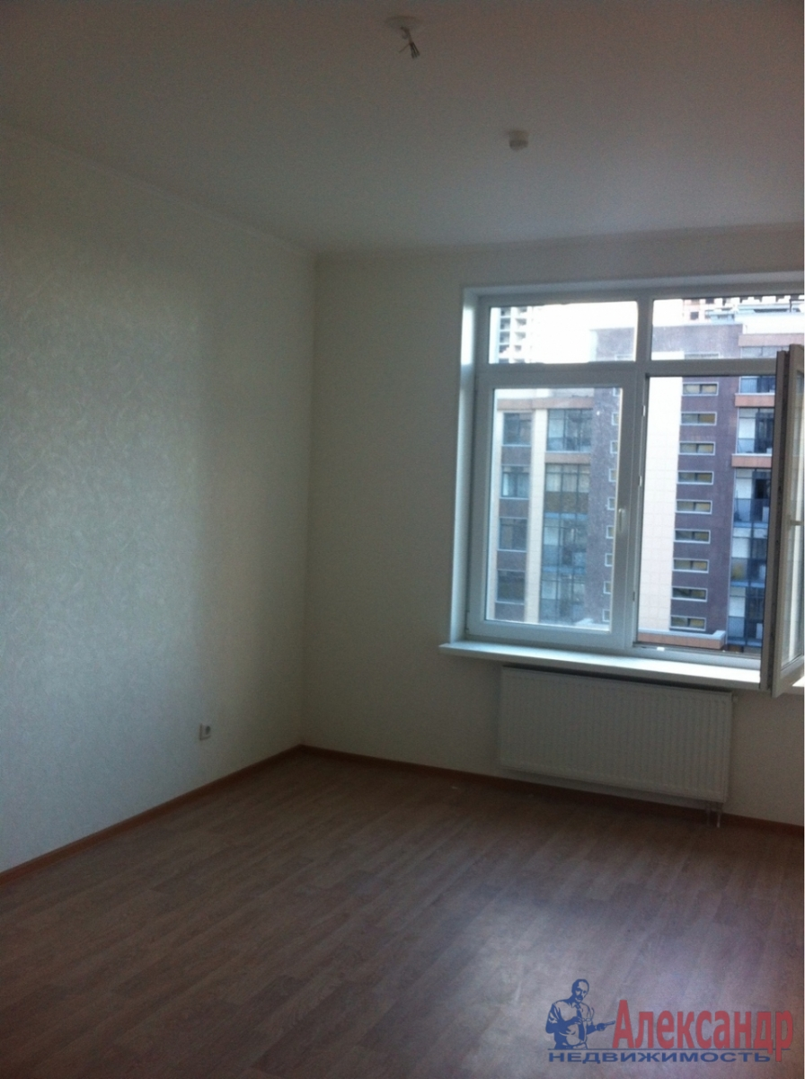 2-комнатная квартира (55м2) в аренду по адресу Адмирала Трибуца ул., 5— фото 3 из 7