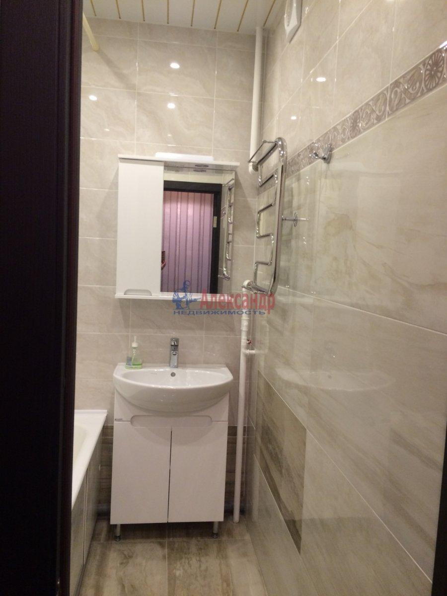 Комната в 2-комнатной квартире (63м2) в аренду по адресу Новосмоленская наб., 1— фото 6 из 8