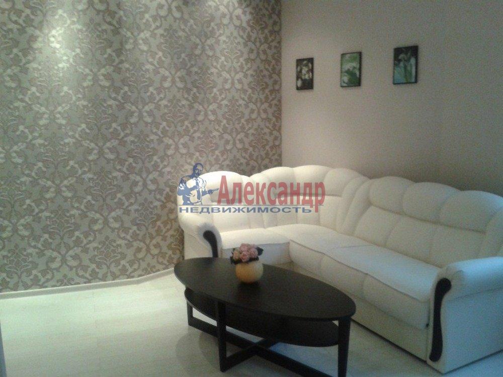 2-комнатная квартира (80м2) в аренду по адресу Петрозаводская ул., 13— фото 4 из 14
