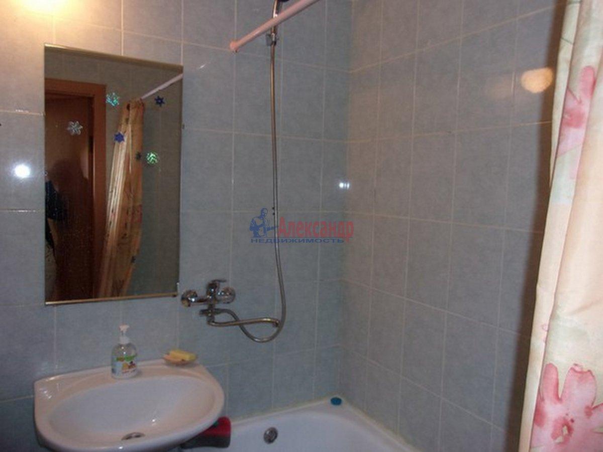 2-комнатная квартира (54м2) в аренду по адресу Красное Село г.— фото 2 из 8
