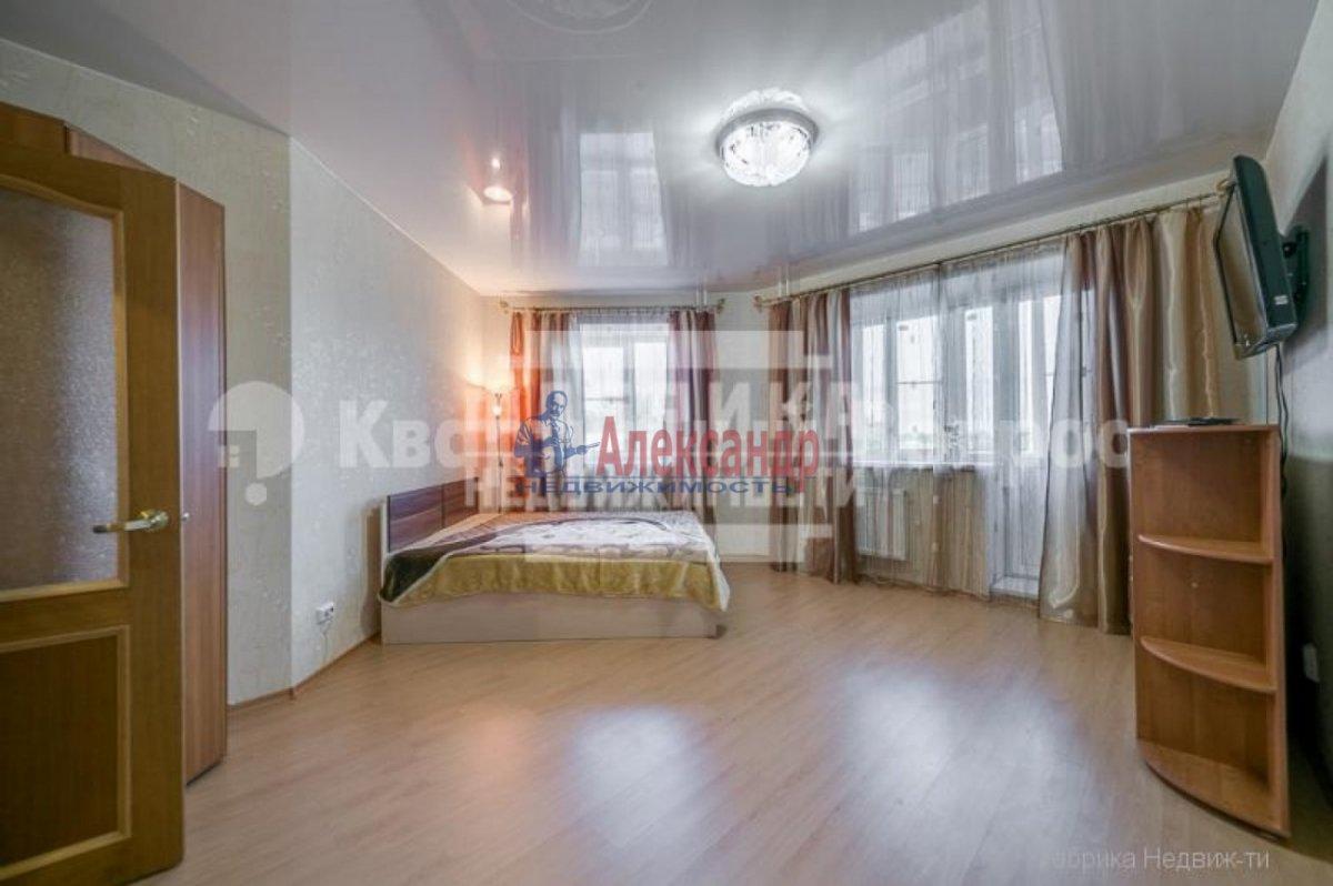 1-комнатная квартира (42м2) в аренду по адресу Солдата Корзуна ул., 167— фото 1 из 8