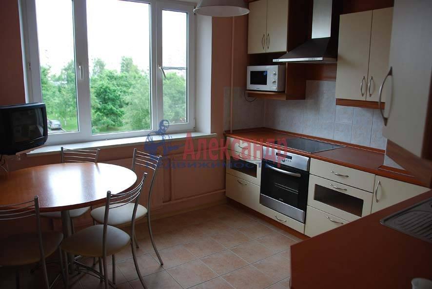 3-комнатная квартира (71м2) в аренду по адресу Планерная ул., 53— фото 2 из 8