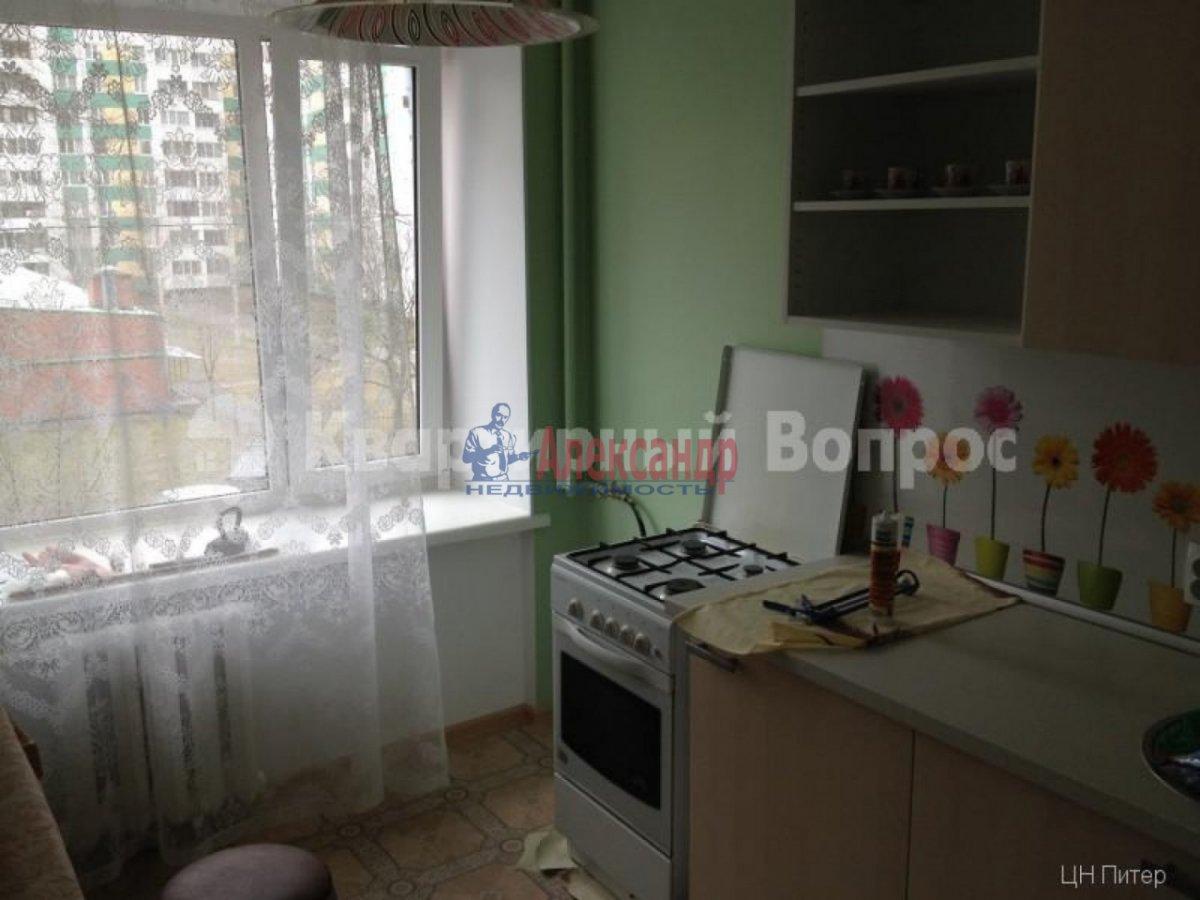 2-комнатная квартира (56м2) в аренду по адресу Лени Голикова ул., 31— фото 1 из 9