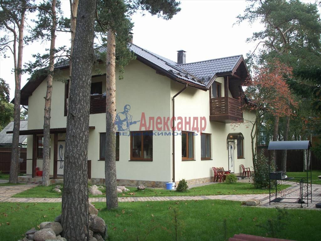 Дом (260м2) в аренду — фото 1 из 11