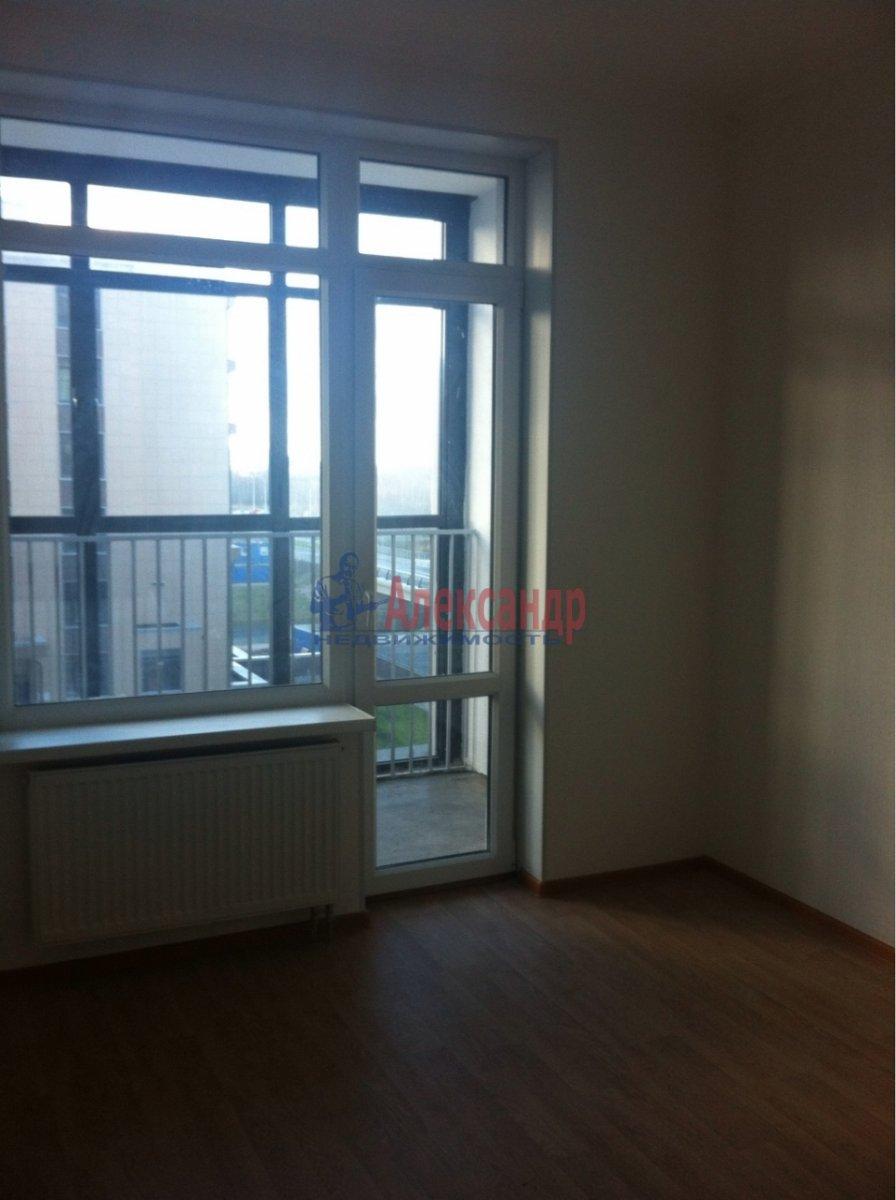 2-комнатная квартира (55м2) в аренду по адресу Адмирала Трибуца ул., 5— фото 2 из 7