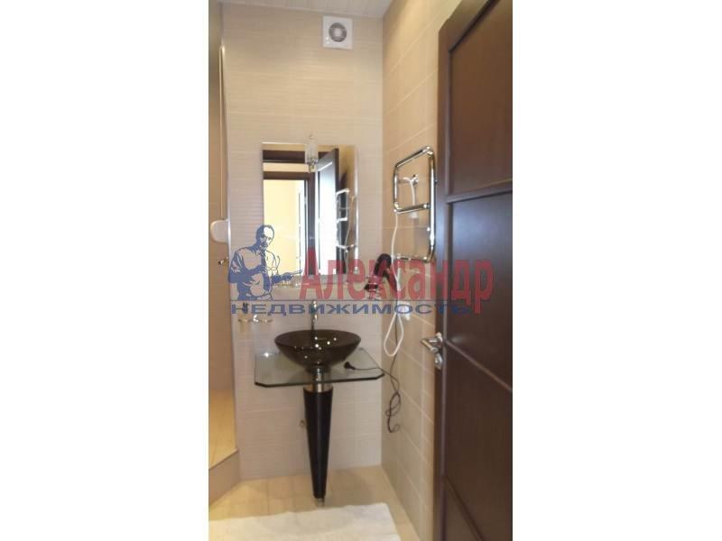 3-комнатная квартира (100м2) в аренду по адресу Коломяжский пр., 15— фото 7 из 14