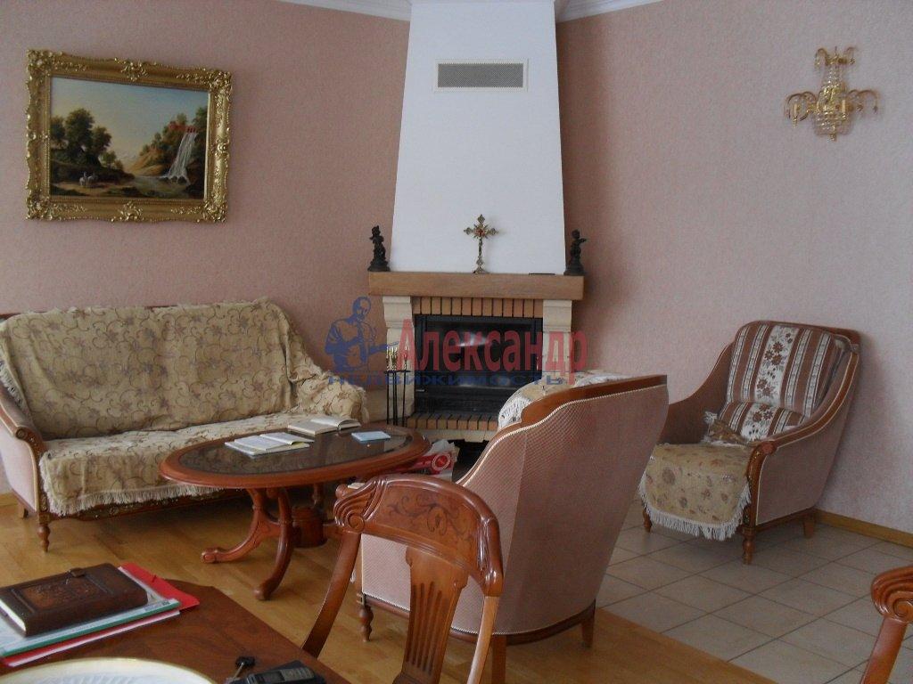 Дом (240м2) в аренду — фото 1 из 14