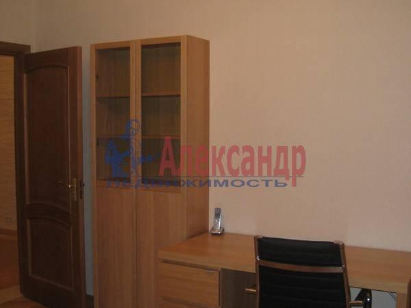 3-комнатная квартира (114м2) в аренду по адресу Парадная ул., 3— фото 9 из 12