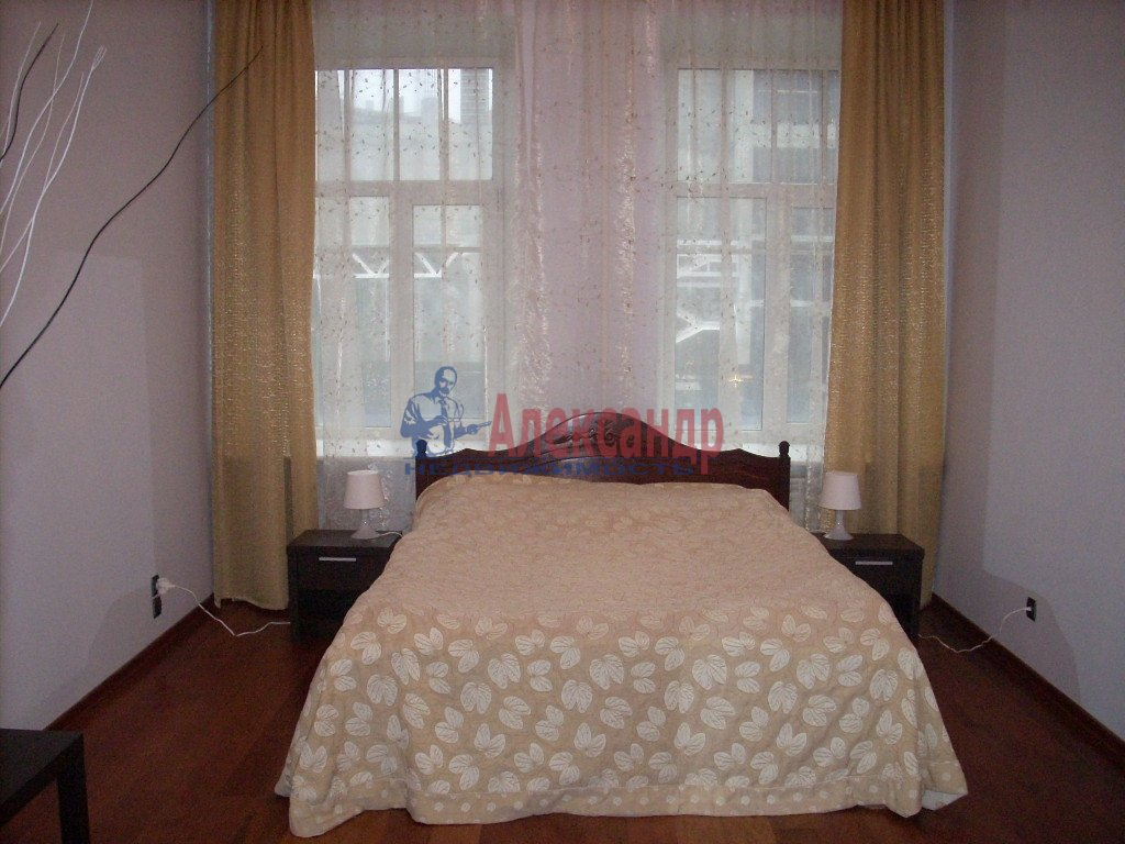1-комнатная квартира (50м2) в аренду по адресу Решетникова ул., 3— фото 1 из 5