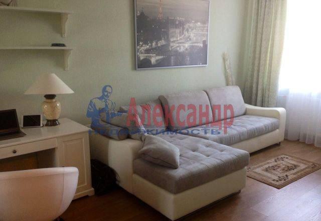 1-комнатная квартира (50м2) в аренду по адресу Бутлерова ул., 11— фото 6 из 7