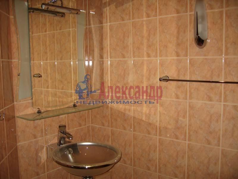 4-комнатная квартира (120м2) в аренду по адресу Новосмоленская наб., 1— фото 8 из 10