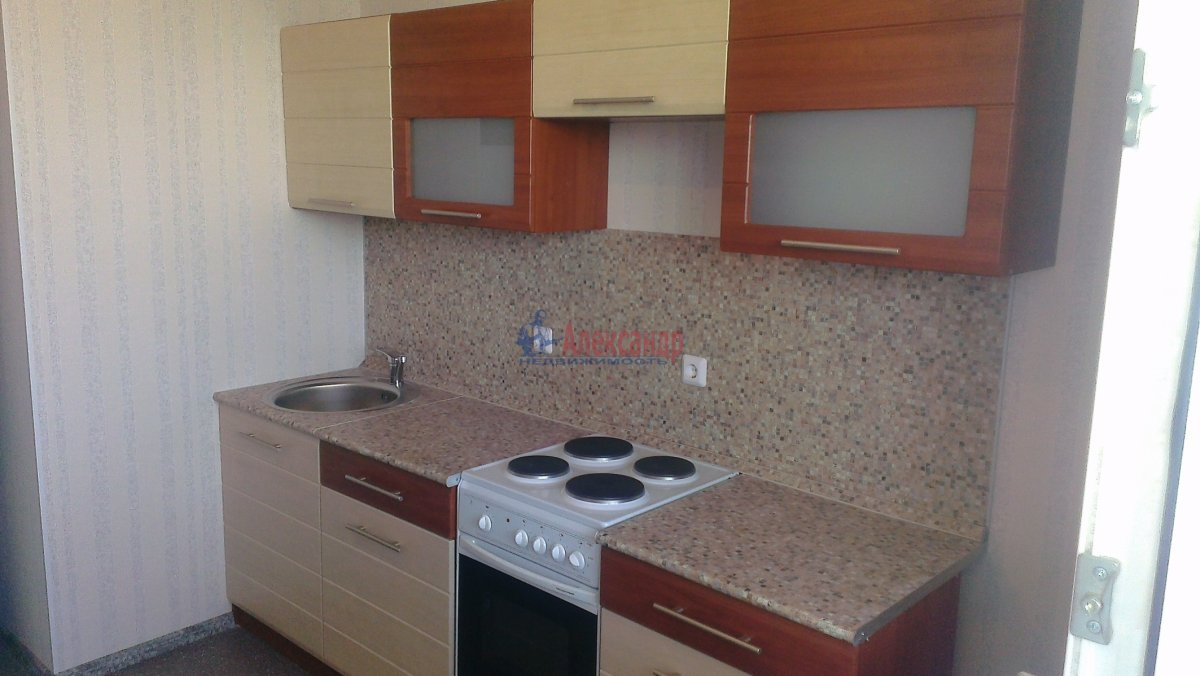 1-комнатная квартира (42м2) в аренду по адресу Гжатская ул., 9— фото 1 из 8