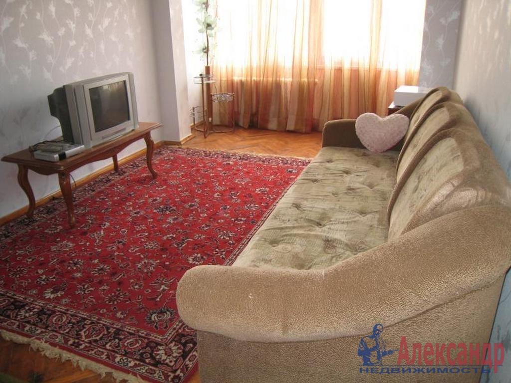 Комната в 3-комнатной квартире (75м2) в аренду по адресу 1 Красноармейская ул.— фото 1 из 2