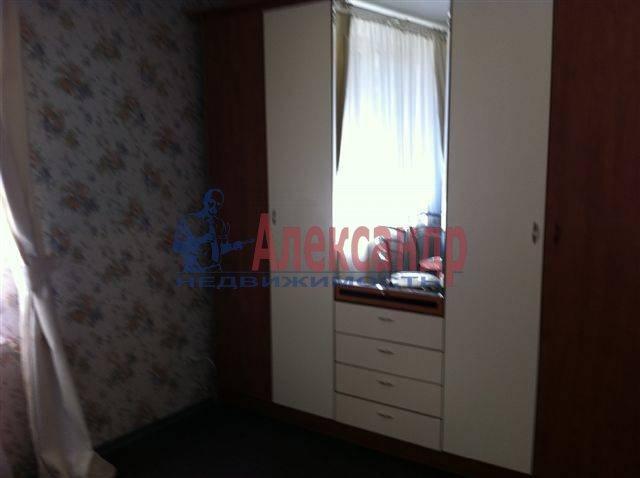 2-комнатная квартира (50м2) в аренду по адресу Передовиков ул., 11— фото 7 из 9