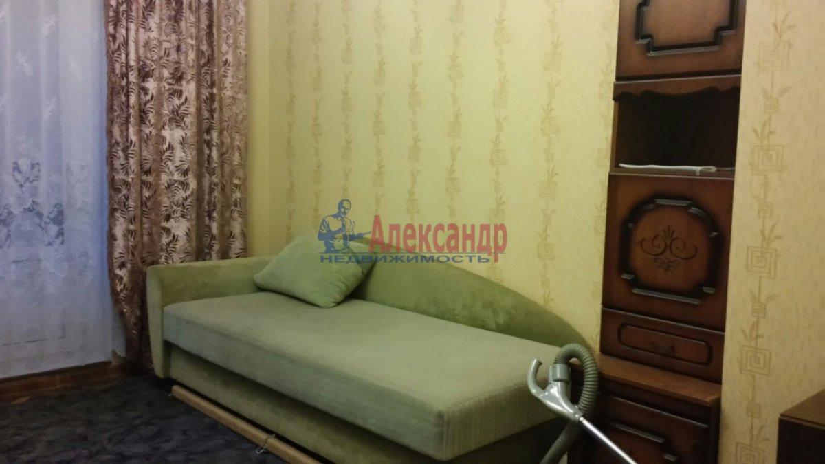 Комната в 3-комнатной квартире (65м2) в аренду по адресу Гранитная ул., 8— фото 3 из 7