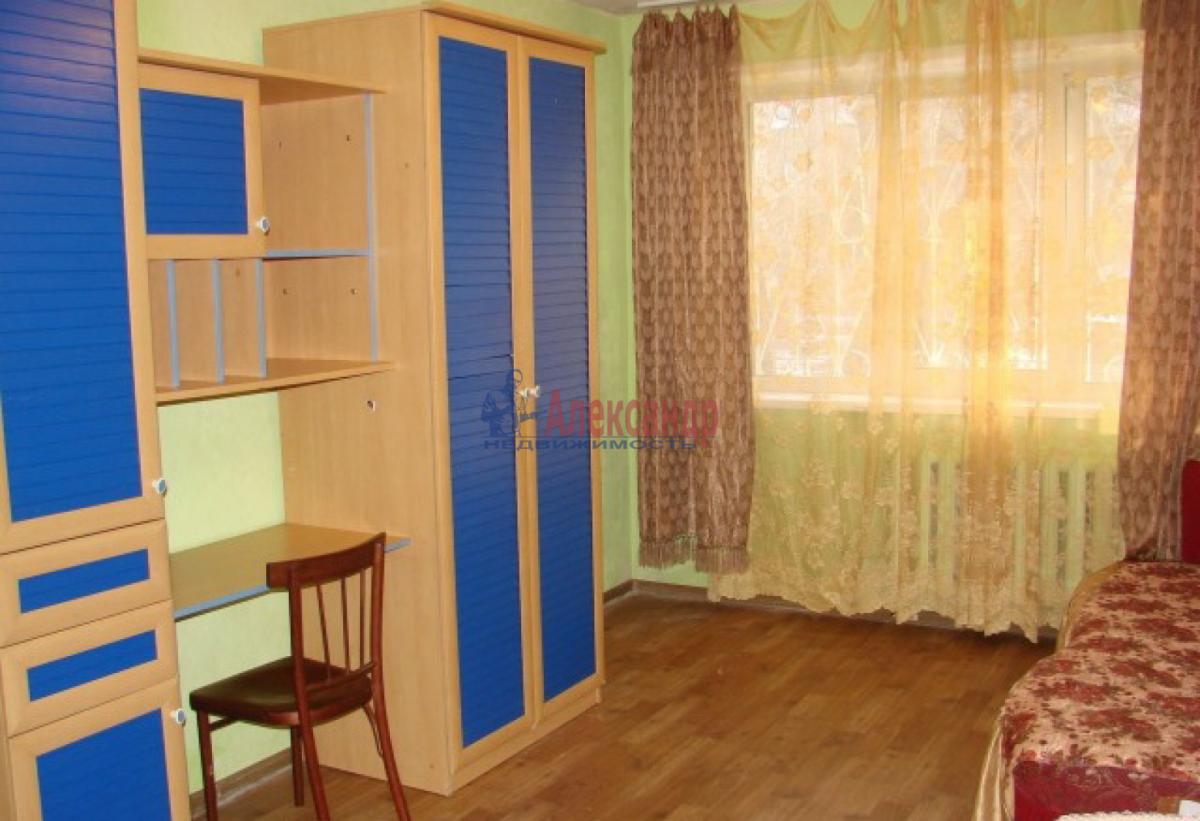 1-комнатная квартира (40м2) в аренду по адресу Танкиста Хрустицкого ул., 9— фото 1 из 4