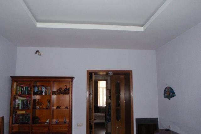 3-комнатная квартира (94м2) в аренду по адресу 9 линия В.О., 70— фото 2 из 5