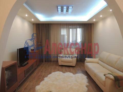 2-комнатная квартира (74м2) в аренду по адресу Луначарского пр., 11— фото 3 из 6