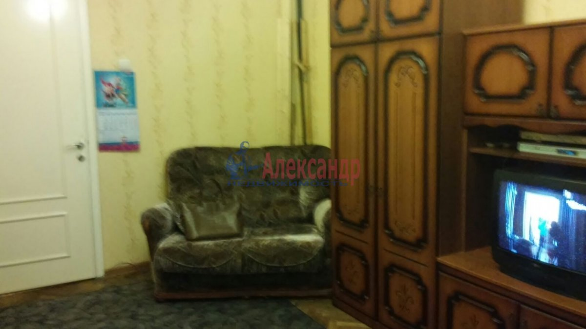 Комната в 3-комнатной квартире (65м2) в аренду по адресу Гранитная ул., 8— фото 2 из 7
