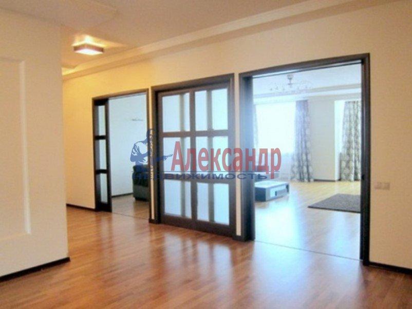 3-комнатная квартира (147м2) в аренду по адресу Реки Мойки наб., 31— фото 4 из 8