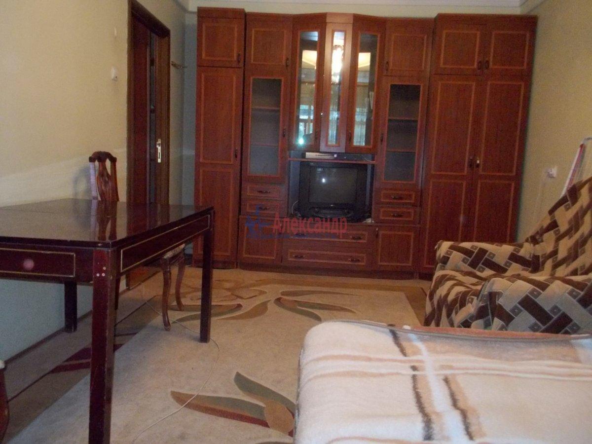2-комнатная квартира (60м2) в аренду по адресу Науки пр., 4— фото 1 из 7