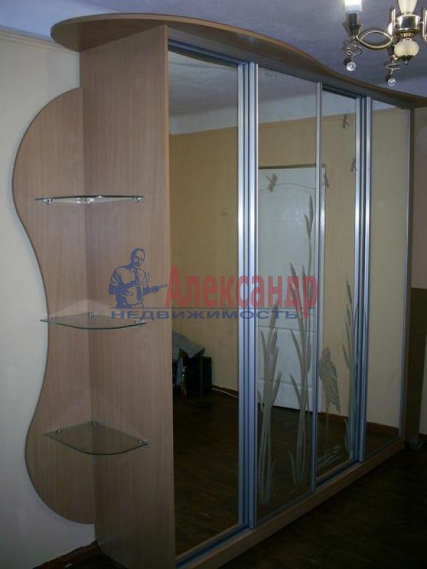 1-комнатная квартира (40м2) в аренду по адресу Звездная ул., 10— фото 2 из 4