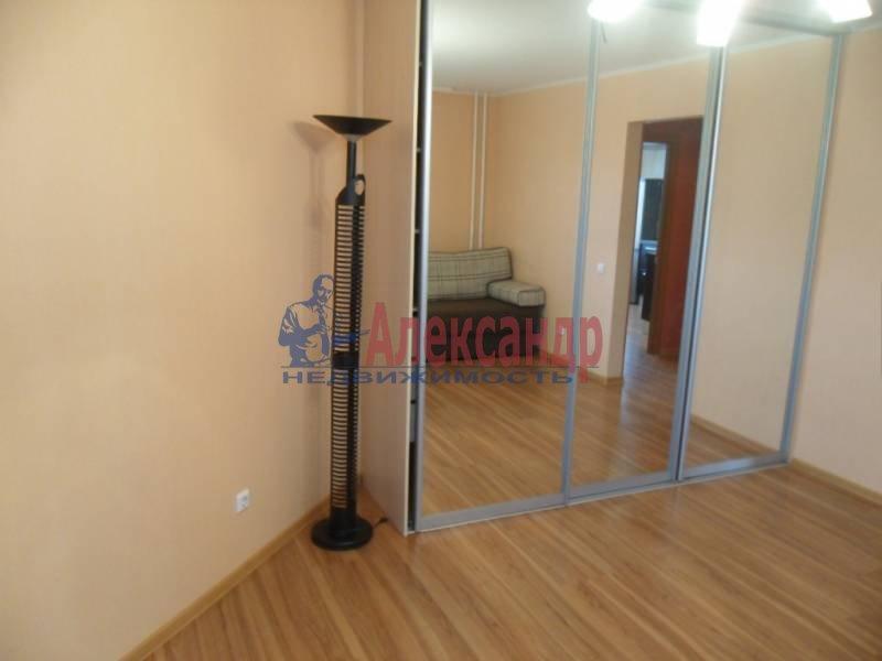 1-комнатная квартира (41м2) в аренду по адресу Новаторов бул., 11— фото 3 из 13