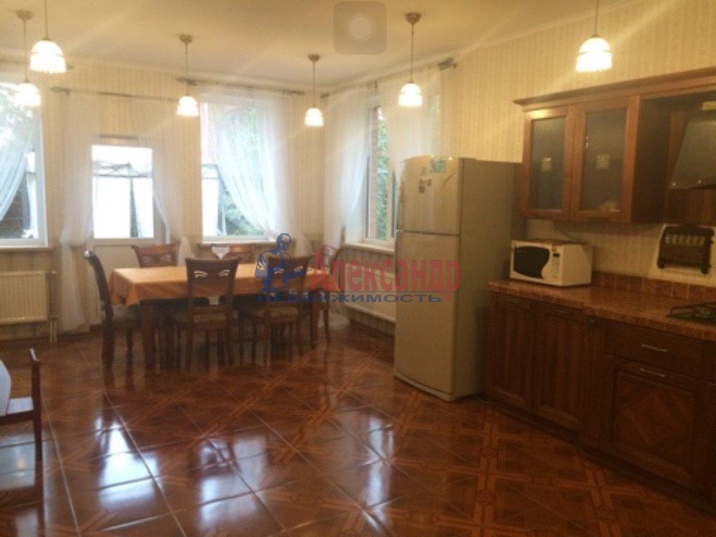 Дом (350м2) в аренду — фото 1 из 8